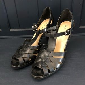 Maripe' Marcy Strappy Leather Sandal Black 10